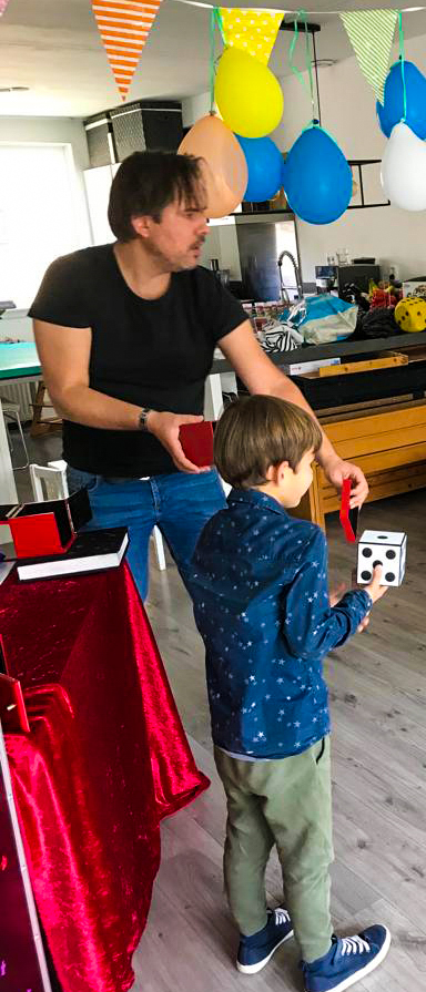 Kindergoochelaar kinderfeest aan huis-2